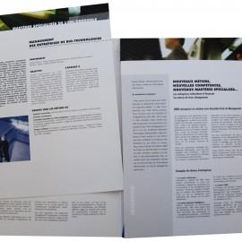 Pochette et fiches présentant une école